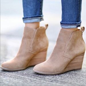 Lucky Brand Yoniana wedge ankle booties